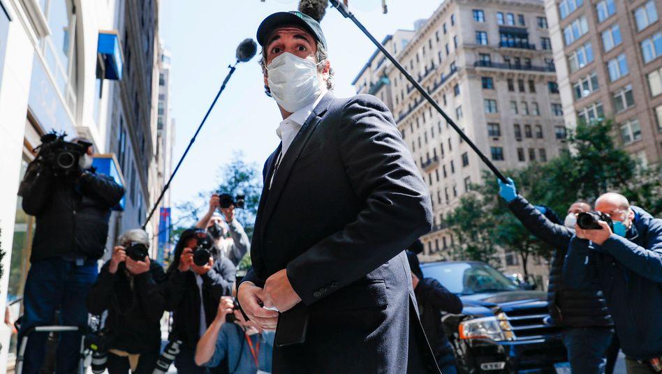Trumps Ex-Anwalt Michael Cohen verbringt den Rest seiner Haft im Hausarrest