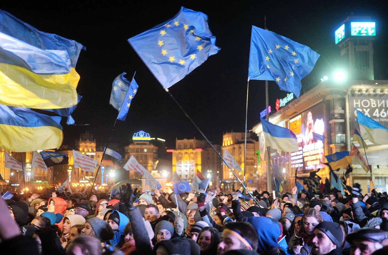 UKRAINE-EU-RUSSIA-POLITICS-DEMO