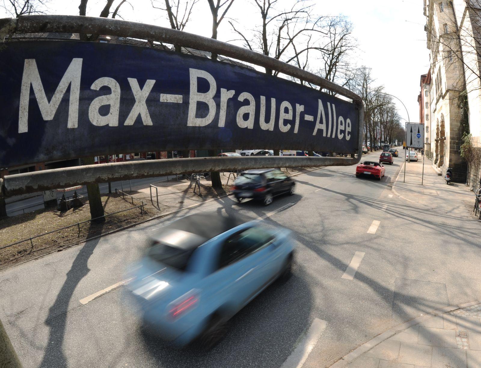 Verkehr Max-Brauer-Allee / Straßenschild