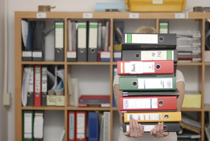 Frustriert im Job: Jule koordiniert bei einem Übersetzungsdienst die Arbeit von 30 freien Mitarbeitern. Sie hat Politik und Skandinavistik auf Magister studiert.