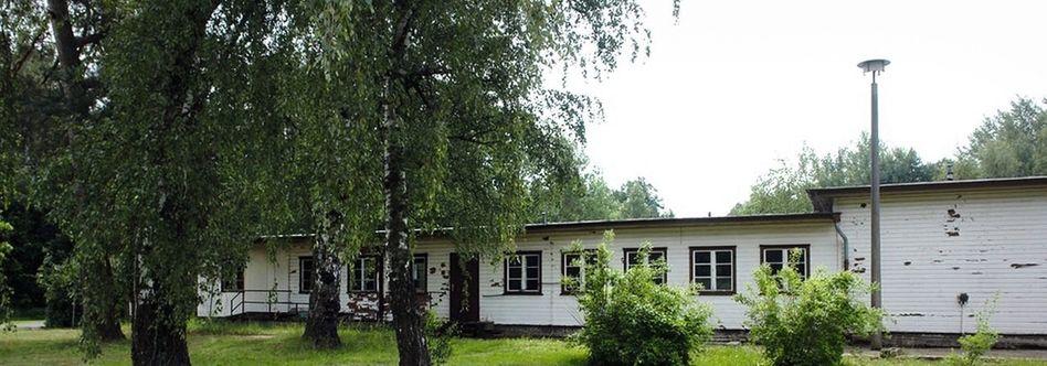 Überreste des zentralen Aufnahmeheimes Röntgental bei Zepernick nahe Berlin