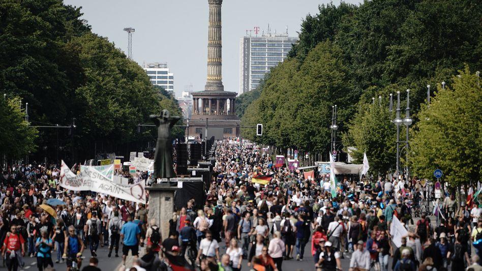 Corona-Proteste auf der Straße des 17. Juni am 29.8.2020