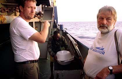 Bierdel (l., mit Kapitän Schmidt): Fehler zugegeben