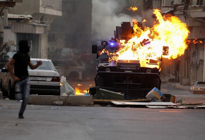 Proteste gegen die Regierung von Bahrain nahe der Hauptstadt Manama im Jahr 2012. (Archiv)
