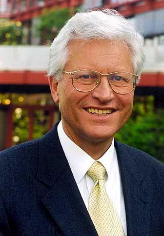 Prof. Dr. Manfred Erhardt, 62, Generalsekretär des Stifterverbandes