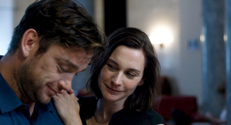 """Christiane Paul mit ihrem Filmpartner Ronald Zehrfeld in """"Was gewesen wäre"""""""