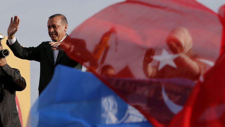 Politiker Erdogan (Archivbild): Brisante Rede in Köln erwartet