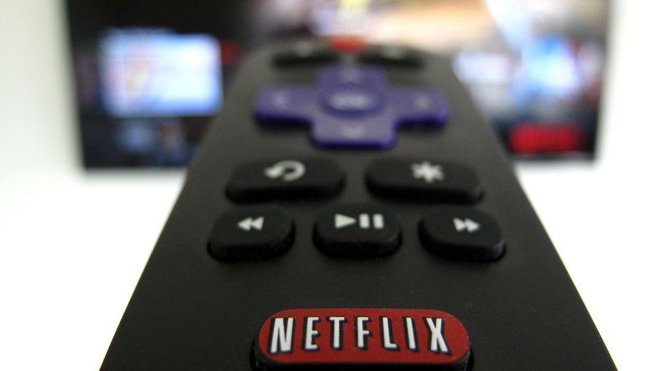 Fernbedienung mit Netflix-Taste: Zwei von drei Abos werden teurer
