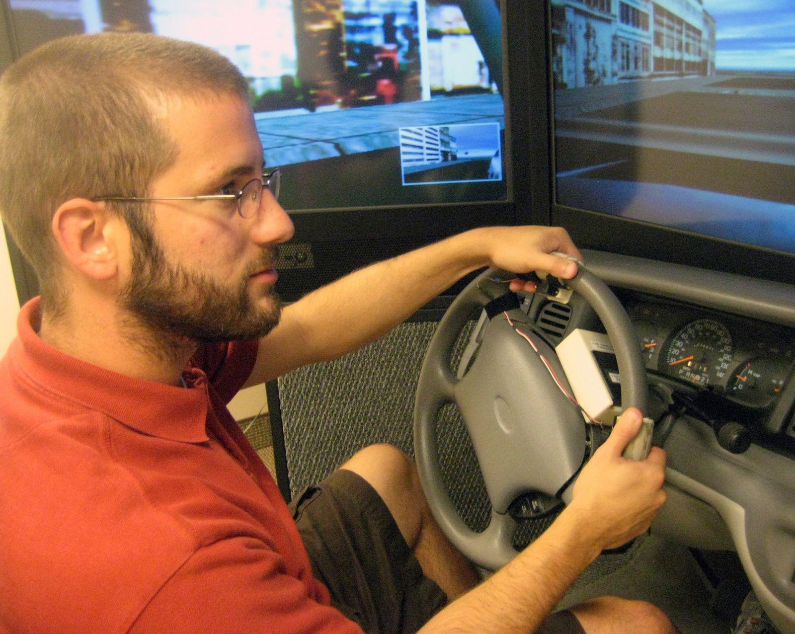 EINMALIGE VERWENDUNG Navigation über Sensoren am Lenkrad