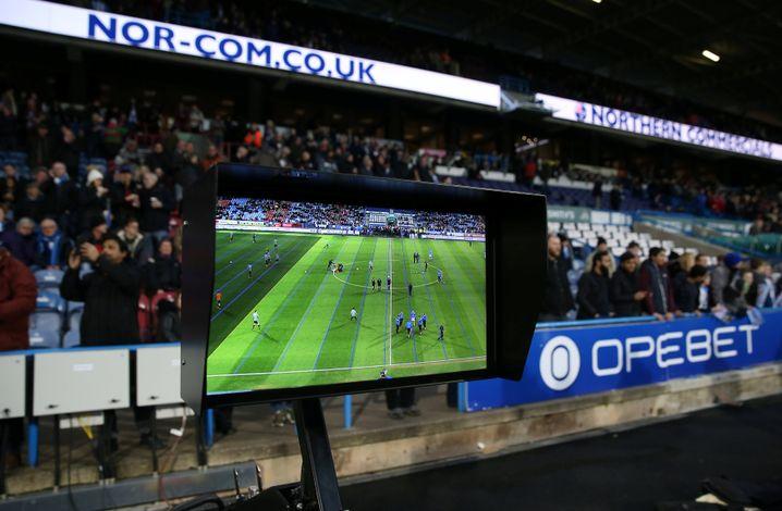 VAR-Kontrollbildschirm in Huddersfield
