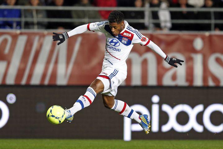 Lyons Bastos: Schalke hat Interesse