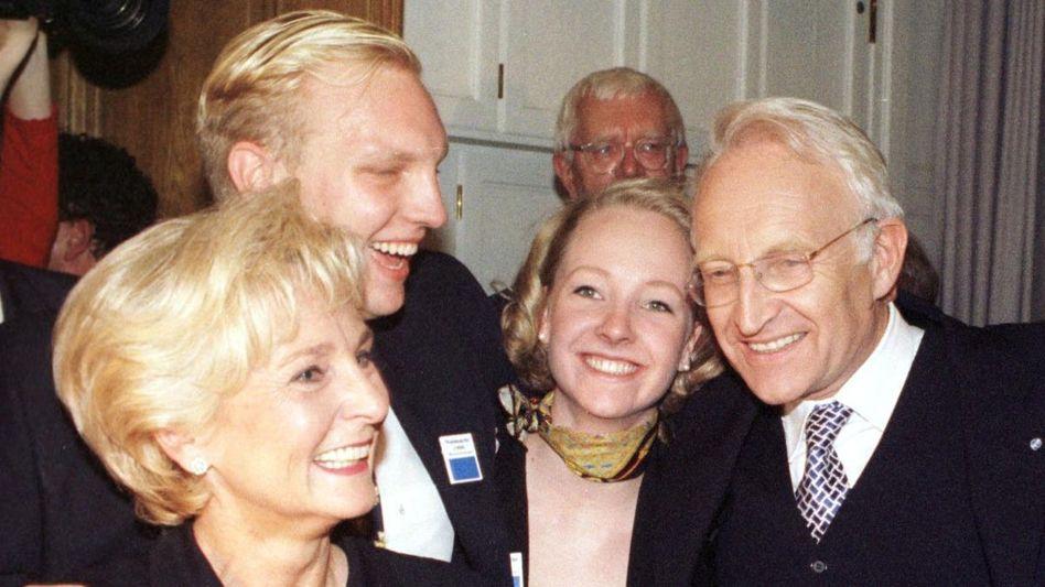 Familie Stoiber (1998): Sohn Dominic darf weiterhin den Doktortitel führen