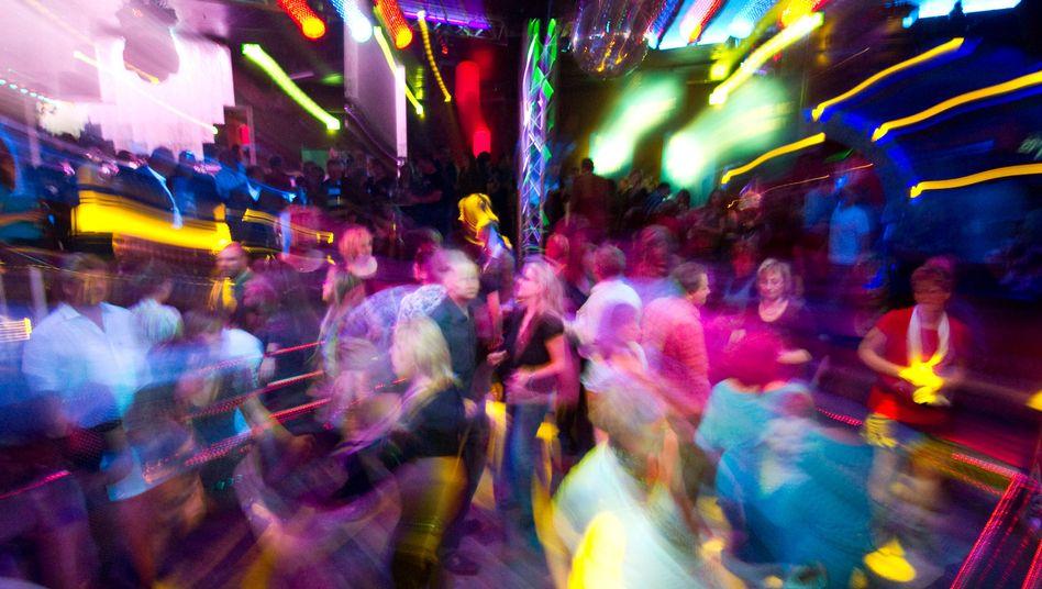 Gäste in einem Klub: In Freiburg gehören nur selten Ausländer dazu