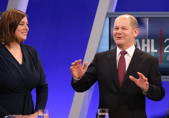 Vergnügt: Katharina Fegebank von den Grünen, Olaf Scholz von der SPD