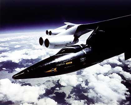 X-15 unter dem Flügel eines B-52-Bombers: Mach 6 und neuer Höhenrekord von 108 Kilometern