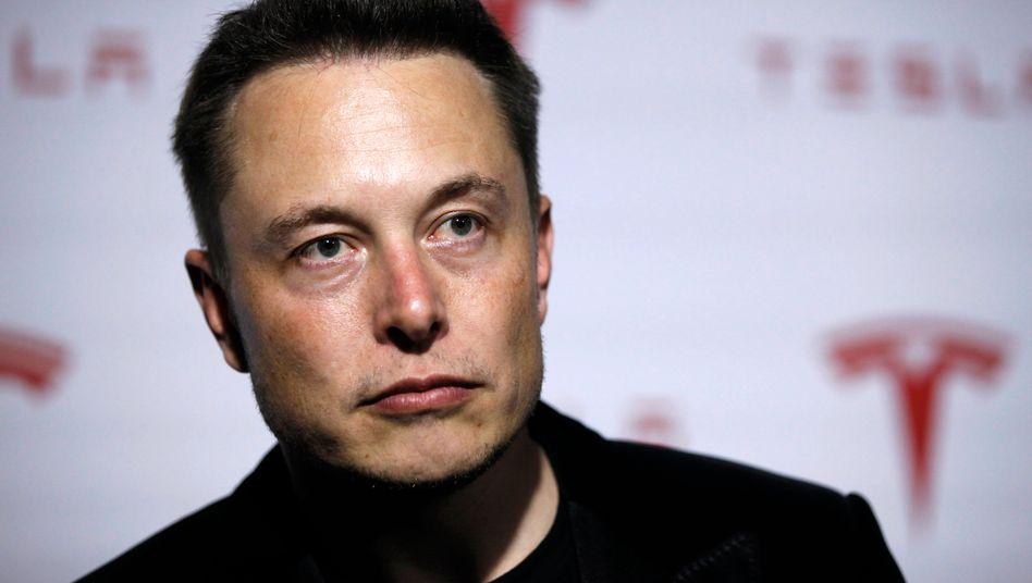 Elon Musk: Drei Brände, aber kein Grund zur Panik - sagt der Tesla-Chef