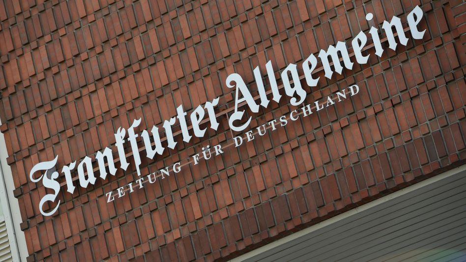 """Schriftzug """"Frankfurter Allgemeine - Zeitung für Deutschland"""""""