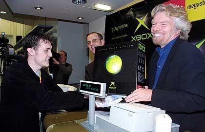 In London rissen die Fans Virgin-Gründer Sir Richard Branson die Boxen aus der Hand. In Deutschland sorgten die Sonderangebote von Media Markt und Co. für erhöhten Umsatz