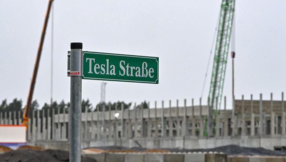Tesla-Baustelle in Grünheide: Start mit Hindernissen