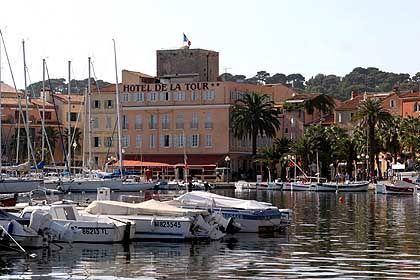 Hôtel de la Tour in Sanary: Erika und Klaus Mann wohnten in dem Hotel am Hafen, ihr Vater in der Villa La Tranquille