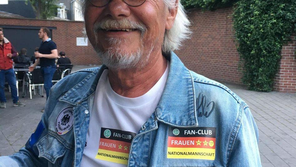 Lutz Reichenbach in Valenciennes vor dem Spiel Deutschland gegen Spanien