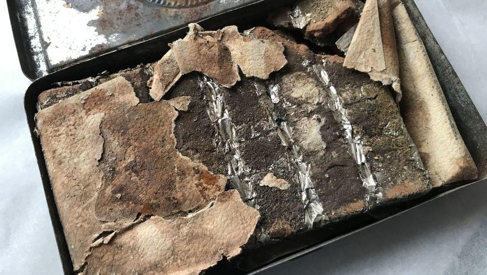 Mehr als 120 Jahre lang lag dieses Stück Schokolade auf dem Dachboden eines englischen Herrenhauses