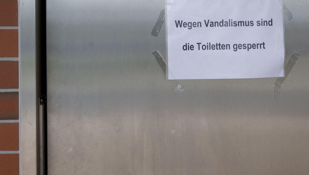 Klotüren-Klau: Metalldiebe machen Raststätten unsicher