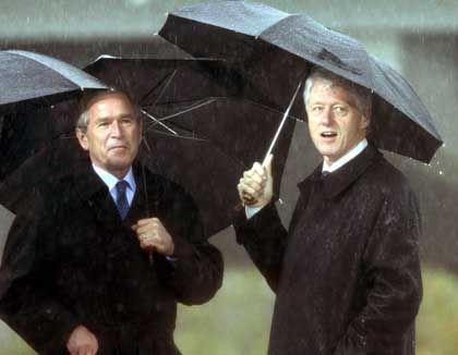 Bush und Clinton: Wer hat mehr Lorbeeren im Kampf gegen den Terror verdient?