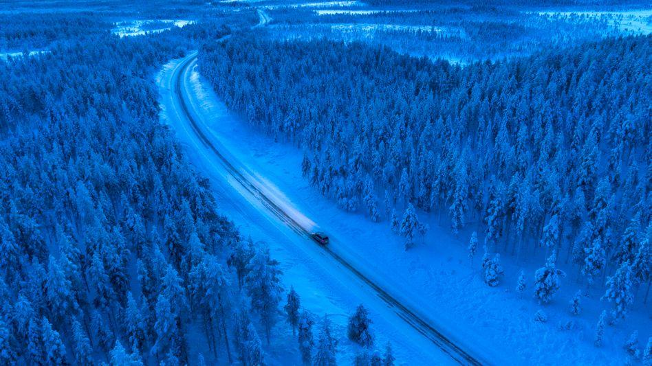 Überlandfahrt im Winter (Symbolbild): Kurz entschlossen zum Familientreffen