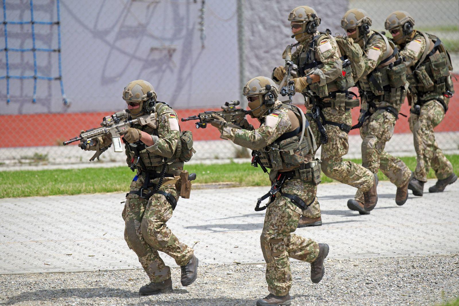 Das Kommando Spezialkräfte KSK der Bundeswehr bei einer Vorführung am Tag der Bundeswehr beim Ausb