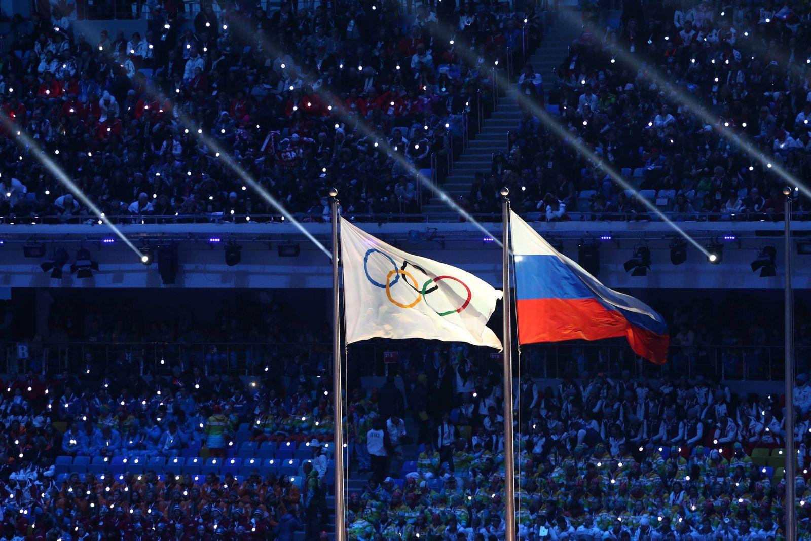 EINMALIGE VERWENDUNG Russische Flagge / Olympia-Fahne
