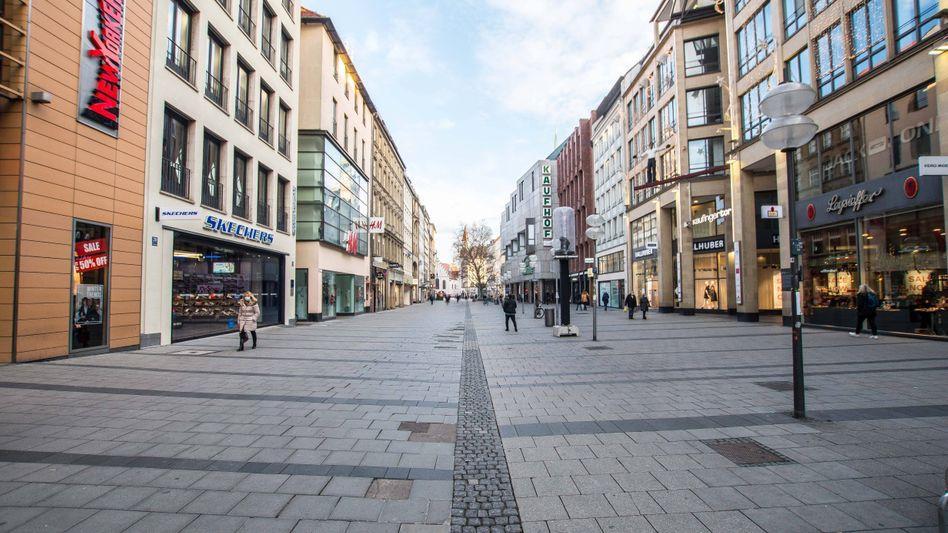 München: Laut ersten Schätzungen haben sich seit Beginn der Pandemie etwas mehr als drei Prozent der Münchner angesteckt