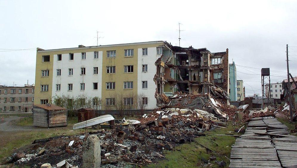Gebäude im tauenden Permafrost: Abgesackt