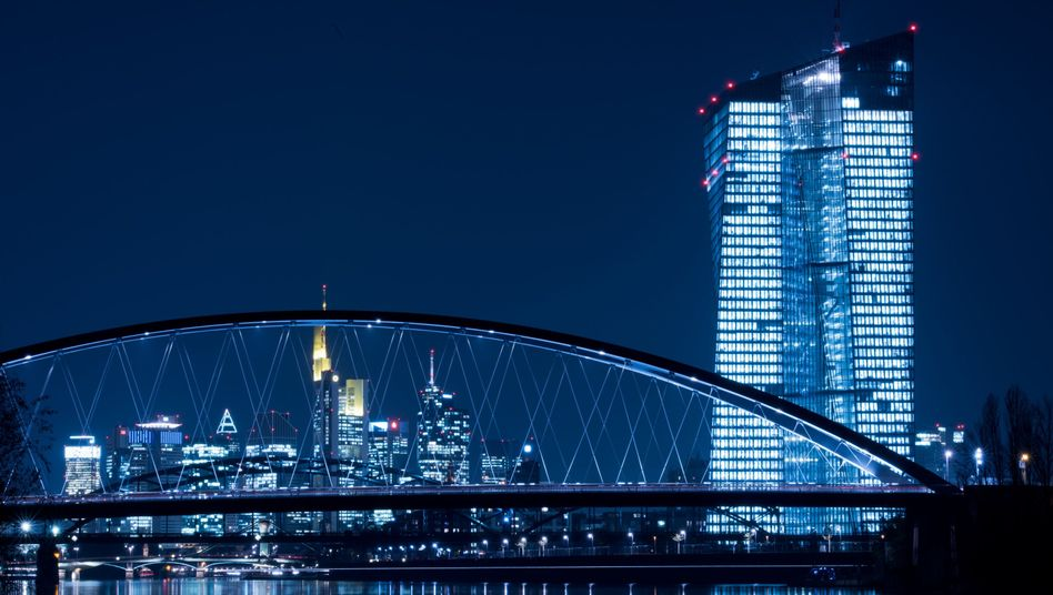 """EZB-Turm: """"Das zentrale Instrument ist die einheitliche Geldpolitik"""""""