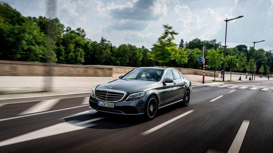 Auch die C-Klasse ist betroffen: Mercedes muss zahlreiche Modelle wegen defekter Gurtschlösser in die Werkstätten rufen