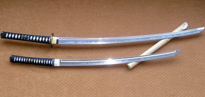 Samurai-Waffen: Langschwert Katana und Kurzschwert Wakizashi