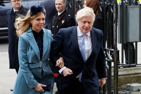 Erlesener Geschmack: Johnson mit Verlobter Carrie Symonds im März 2020
