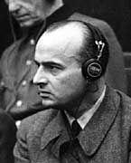 """Hans Frank während des Nürnberger Prozesses: """"Die Leichenhaufen bestimmen das Bild meiner Eltern"""""""