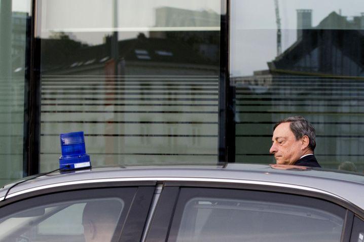 EZB-Präsident Draghi: Der Mann mit dem Blaulicht