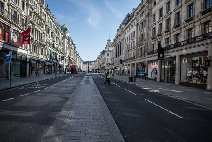 Die Regent Street, eine der beliebtesten Einkaufsstraßen in London – leer