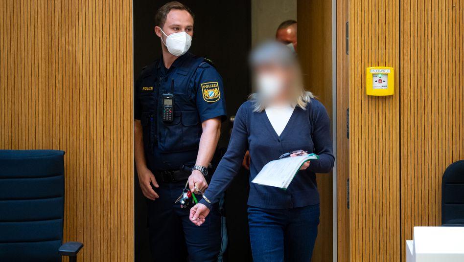 Angeklagte Susanne G. im Oberlandesgericht München: Sie soll Anschläge auf Polizisten, Politiker und Muslime geplant haben
