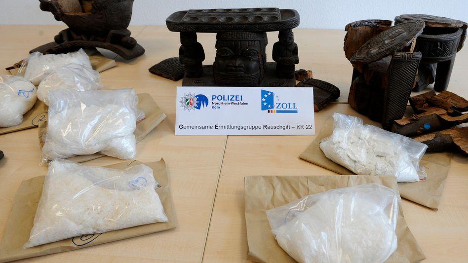 Modedroge Crystal: Zollbeamte zogen sieben Kilo der chemischen Droge aus dem Verkehr