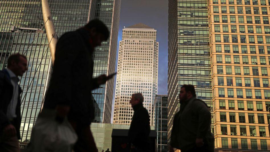 Abstrakter Druck: Weil die britische Wirtschaft auch mit verringertem Wachstum Stellen schaffen konnte, geht es vielen Bürgern finanziell gut