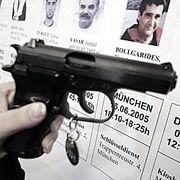Neun Morde, begangen mit einer automatischen Pistole vom Typ Ceska 83, Kaliber 7,65: Aber was ist das Motiv?