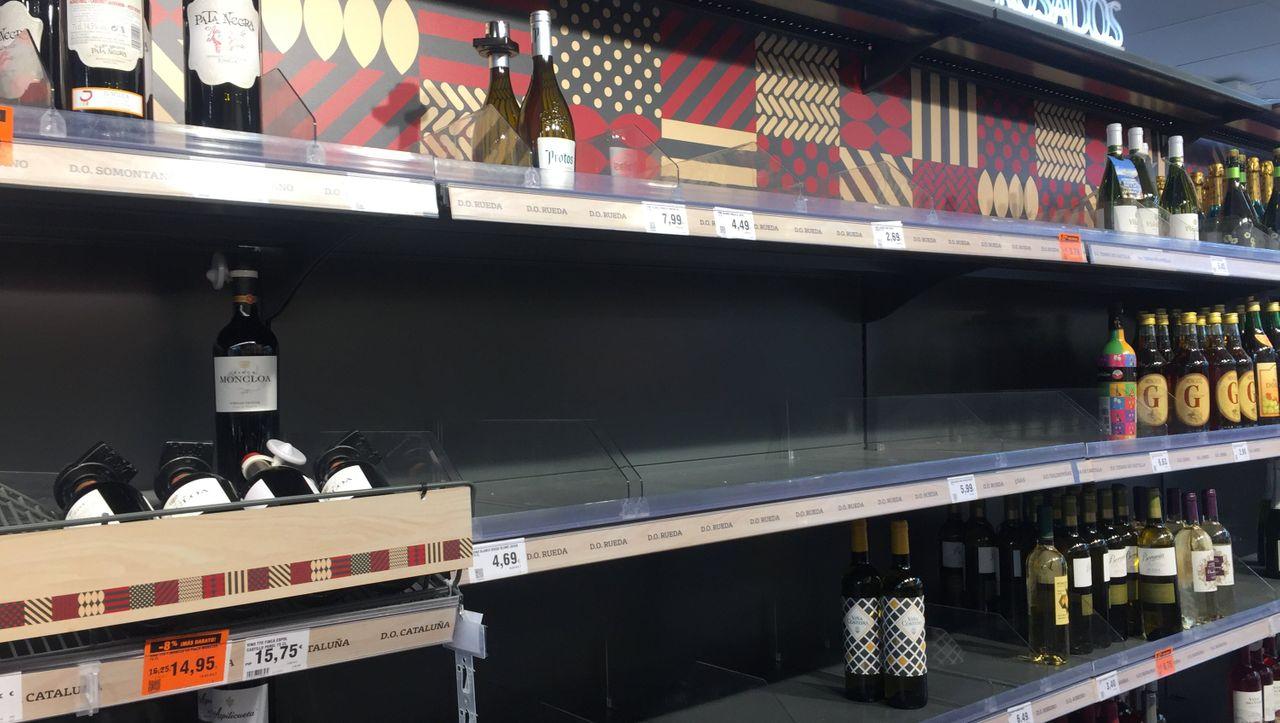 Coronakrise: Spanier horten jetzt Wein, Bier und Schokolade - DER SPIEGEL - Panorama