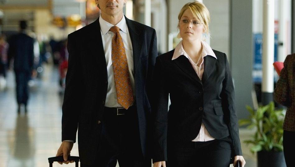 Auf Geschäftsreise: Elegante Kleidung mindert steuerlich nicht das Einkommen
