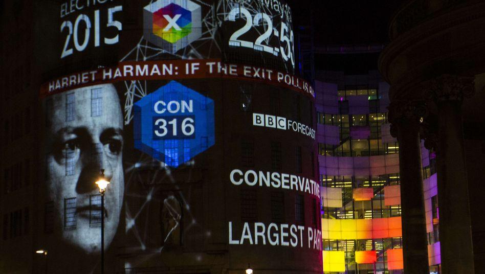 Abstimmungin Großbritannien: Klarer Wahlsieg für Cameron, Debakel für Miliband