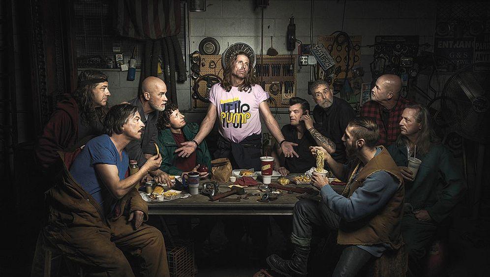 Abgefahrene Wertstatt-Porträts: Fotophantasien in Öl