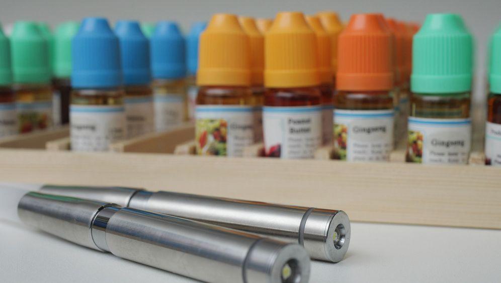 Rauchen: E-Zigarette wirkt wie Nikotinpflaster