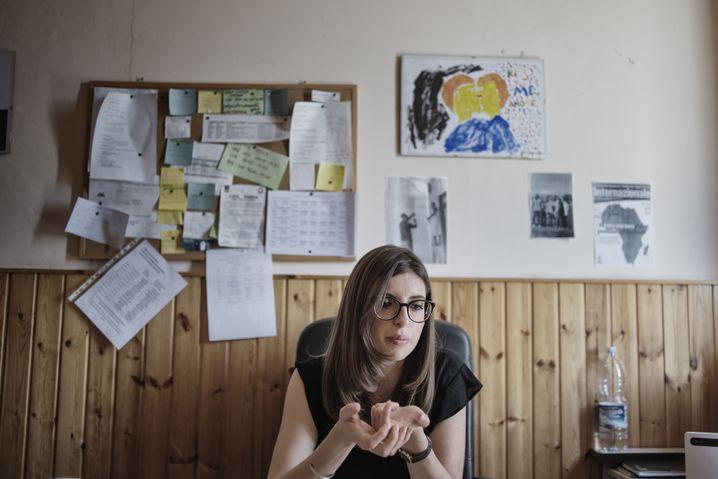Heimleiterin Chiara Rondine in ihrem Büro